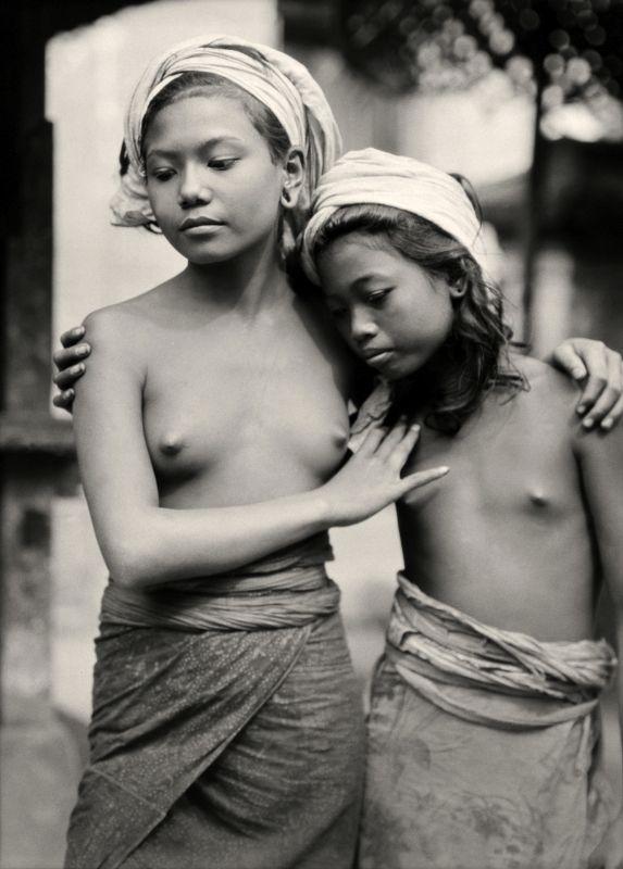 Balinese sisters