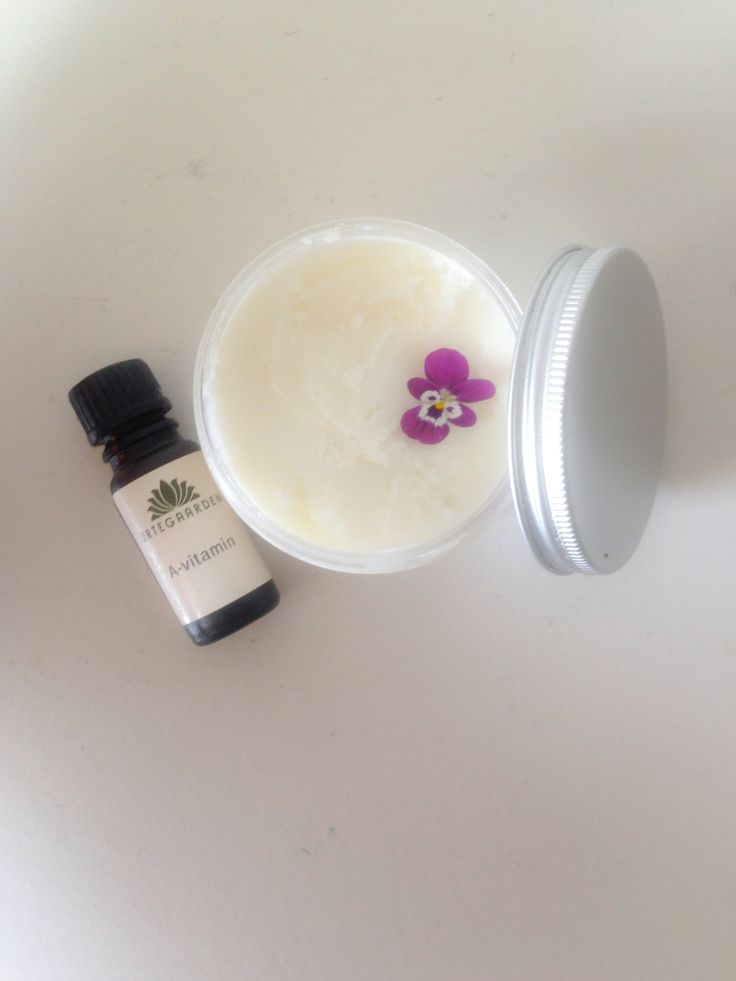 Make your own moisturiser out of sheabutter, essential oils and A/E-vitamins.