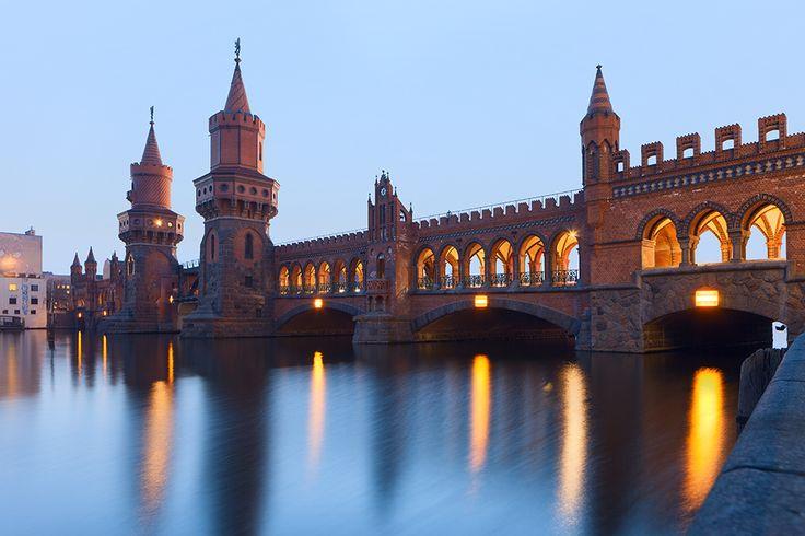 wunderbare Oberbaumbrücke in Berlin-Kreuzberg