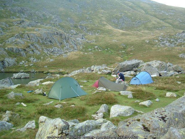 Wild camp at Ffynnon Llyffant (C) John Horner :: Geograph Britain and Ireland