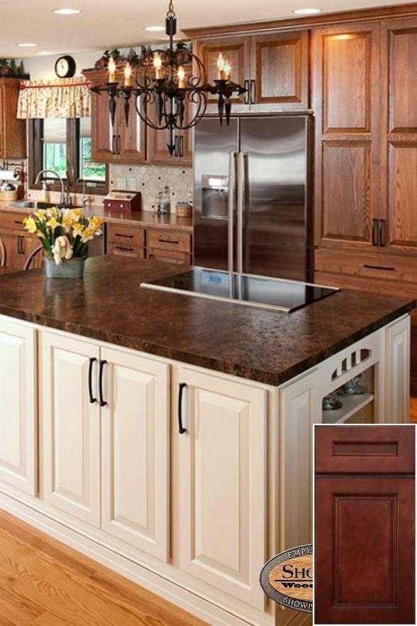 Color Options For Oak Cabinets Rustic Kitchen Oakkitchencabinets Kitchenisland Trendy Kitchen Backsplash Honey Oak Cabinets Kitchen Design