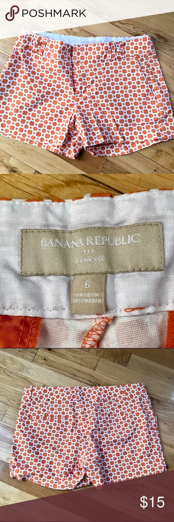 Banana Republic ladies size 6 tailored shorts Banana Republic size ladies 6, Ryan fit, tailored shorts. Two front pockets and to back, belt loops and zip front. Worn 2 times. Like new condition. 3.5 in inseam Banana Republic Shorts