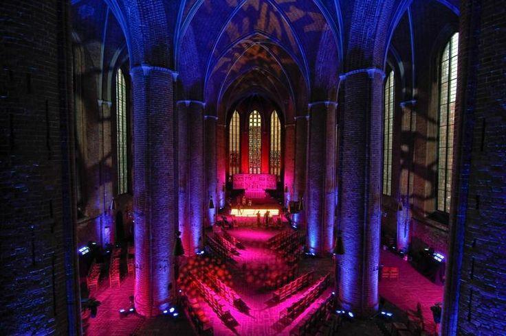 Am Dienstagabend war neben einem Orgelkonzert auch eine Lichtinstallation in der Marktkirche zu sehen | Quelle: Rainer Surrey