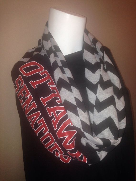 Ottawa senators Infinity Scarf…. I definitely want to make one! :)