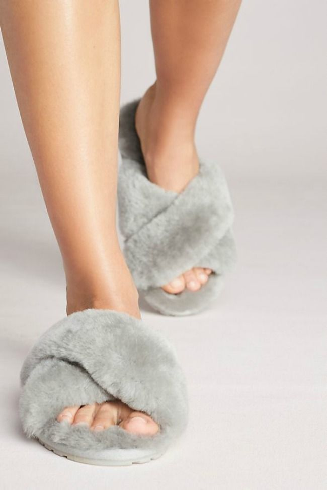 08cf895f2 The 11 Best Cozy Women's Slippers | shoes | Womens slippers, Best ...