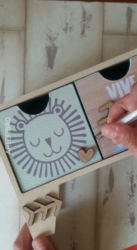 Encontrá mas ideas y tutoriales en nuestro canal de youtube #tutorial #pinturaenmadera #artefibro #manualidades Música: Call me Músico: LiQWYD Kids Room, Youtube, Handmade, Home Decor, Crafts To Make, Picture On Wood, Wood Furniture, Diy Decorating, Mugs