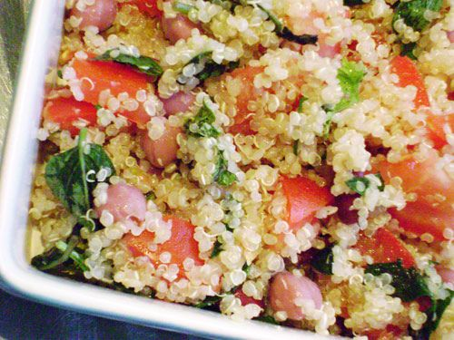 #Quinoa and Pork Salad with Grilled Peaches: Food Recipes, Helen Journey, Quinoasalad, Cold Quinoa Salad, Salad Recipes, Black Beans Salad, Belle Peppers, Quinoa Recipes, Black Bean Salads