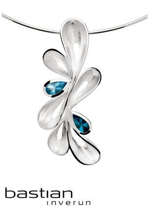 bastian inverun hanger | Juwelier de Bokx Wijffels modelnummer:12349 zilver en topaas baby blauw 1,40ct €369 #bastian #inversum #sieraden #zilver #topaas #jdbw  #juwelen