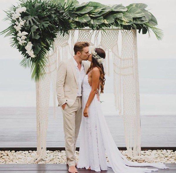 25+ Unique Wedding Arch    acheerymind.com