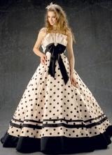 マーキュリーデュオ、MERCURY DUO/ドレスショップブランシェでは人気アパレルブランドのマーキュリーデュオのウェディングドレス、カラードレスを扱ってます。