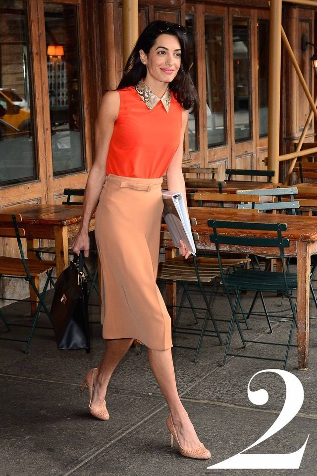 NEW YORK, NY - APRIL 07:  Amal Clooney is seen walking with an NYU law book in Soho on April 7, 2015 in New York City.  (Photo by Raymond Hall/GC Images)