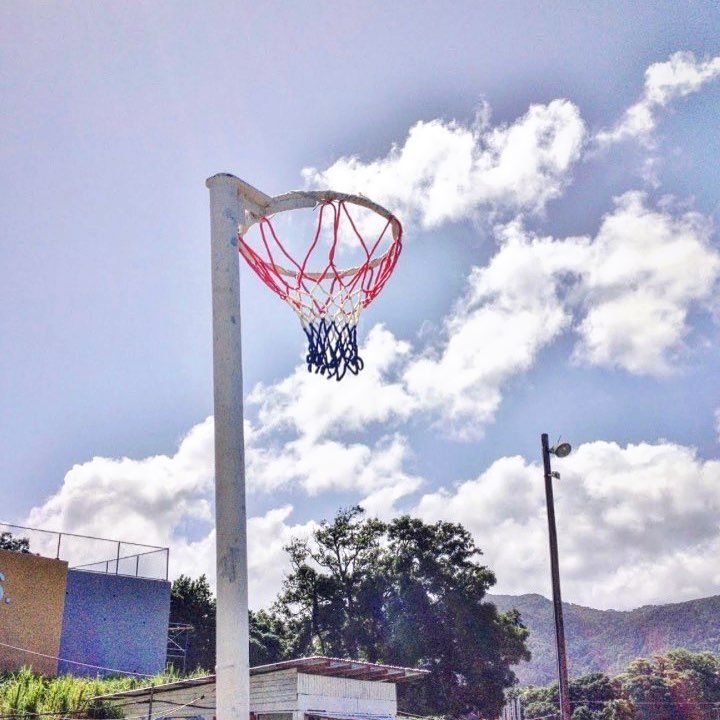 Who wants to see a video with a Netball Hoop?  The more i read about it the more I'm finding out I was 100% built for Netball.  Defense? Doesn't exist.  Dribbling? Doesn't exist.  It's all about putting the ball and the hoop and looking handsome doing it. Sign me up.  Is this an Olympic sport? Can it be?  Keep Shooting. . . . . #basketball #bball #ballislife #basketballneverstops #ball #sunday #follow #nba #shooting #skills #progress #instagood #instafit #fitness #fitfam #fit #training…