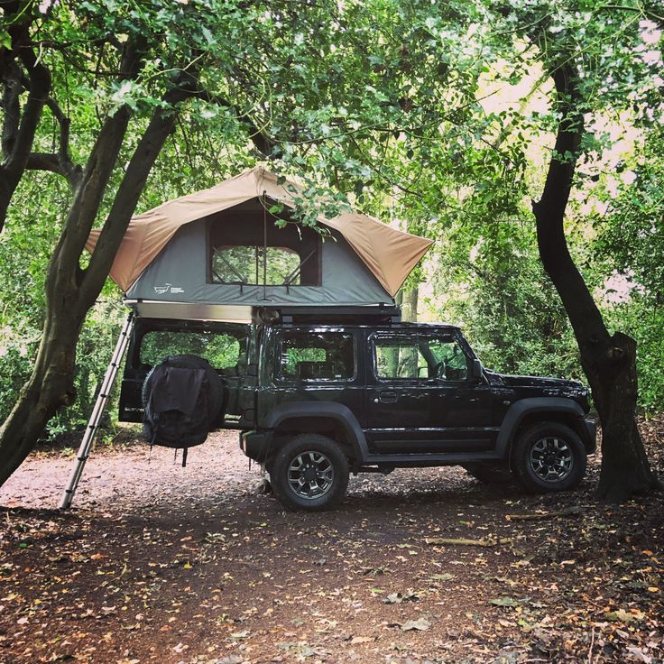 Brockwell Woods, UK Off road jeep Offroadjeep Auto