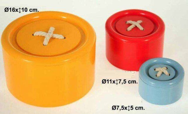 SET  3 CAJAS ACRILICAS BOTONES  Medidas: 16x10cm, 11x7,5cm y 7,5x7,5cm IVA incluido