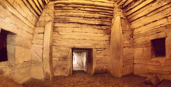 The Maes Howe, Scotland, Orkneys, 2,800 BCE, pyramid-like chambered tomb structure, has precision cut stone at a time Egypt did not.: Maeshow Interiors, Inside Maeshow, Fisheye View, Cut Stones, Places, Tomb Structure