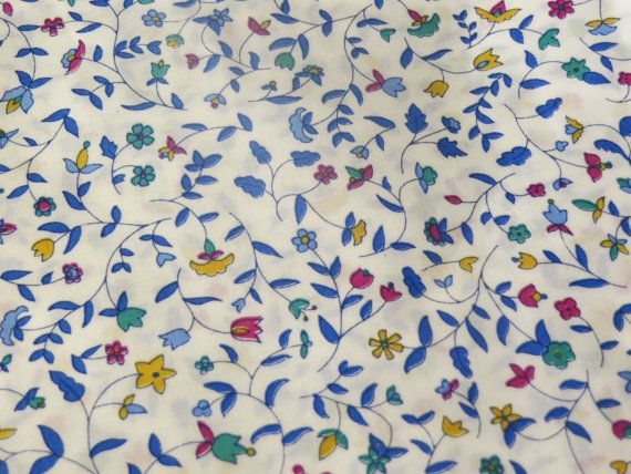 Liberty of London Fabric, Tana Lawn Tessuti Tissus Tecidos Telas Liberty Cathy blue foral by FitaDeVies