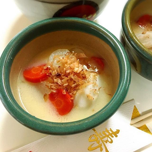 京都のお雑煮は白味噌。 お餅の丸は円満 お野菜の丸はその年を丸く収める‼︎ - 9件のもぐもぐ - 京都のお雑煮 by rainbowmama51
