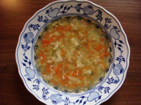 Zeleninová polévka s vaječným závojem - Powered by @ultimaterecipe