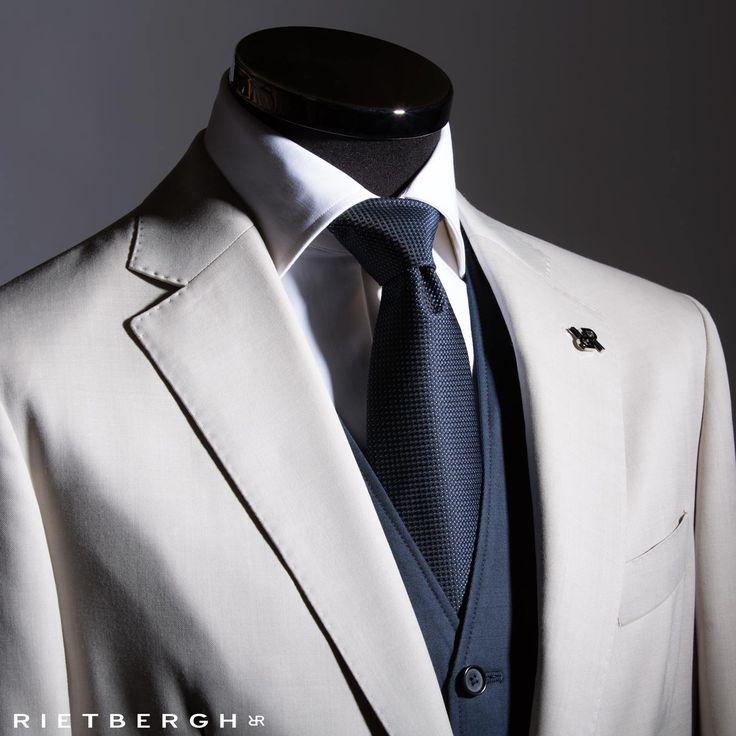 Beige trouwpak met blauw gilet - Beige wedding suit - Beige trouwpak Beige wedding suits - Beige trouwpakken - suits - maatpakken - trouwpakken - trouwpak op maat - bruin trouwpak - Rietbergh - menswear - fashion - wedding trends -