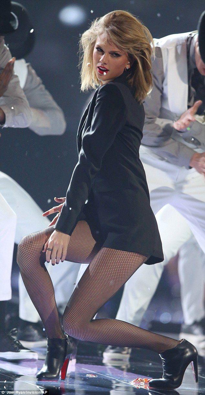 Who Rocks The Most Dancing In High Heels? http://wnli.st/1LA6Ykd #TaylorSwift