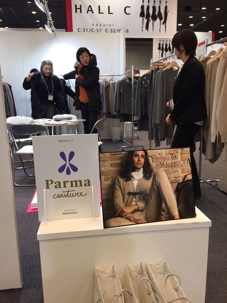 """Parma Couture a #Tokyo mette in mostra la sua articolata #filiera. Un gruppo di sei #imprese del #Consorzio è volato a Tokyo per la 50esima edizione della mostra """"#Moda_Italia"""" organizzata da #ICE e svoltasi dal 7 al 9 Febbraio 2017. Elenco aziende: Musetti Wool&Cashmere, Bonfanti borse, Francesca Bassi Ladies Accessories, #AveCaprice, #Belts+ e Sabri e Lory. APPROFONDISCI SUL SITO DI #PARMACOUTURE: https://goo.gl/mlxr1E"""
