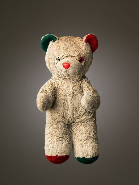 Much Loved: Teddy Bears That Were Loved to Tatters, Photographed by Mark Nixon