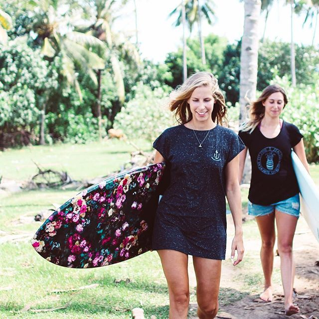 Typical island days with the girls ✌🏼🌴 #StayPositiveAndSpreadGoodVibes shot by @pinacollective #MadeInBali #surfergirls