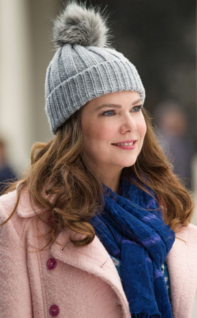 Feeling Fuzzy from Gilmore Girls Revival Photos: Return to Stars Hollow Lorelai in winter.