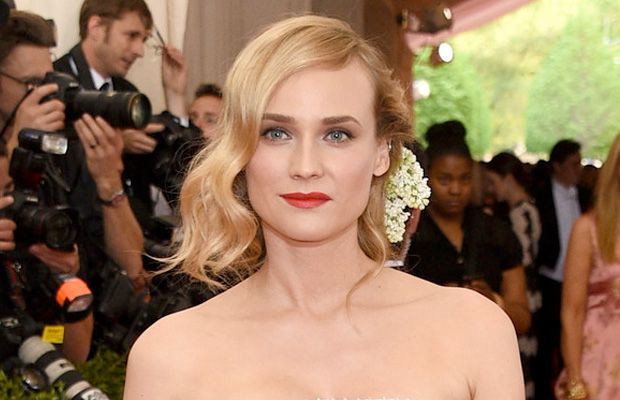 Make nada, que nada! Os tons de berry são aposta nos batons das convidadas no baile de gala do Met 2015 | Chic - Gloria Kalil: Moda, Beleza, Cultura e Comportamento