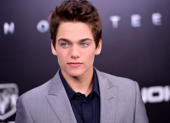 """dylan sprayberry   Dylan Sprayberry Actor Dylan Sprayberry attends the """"Man Of Steel ..."""