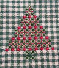 Bordado a mano en la guinga - Árboles de Navidad
