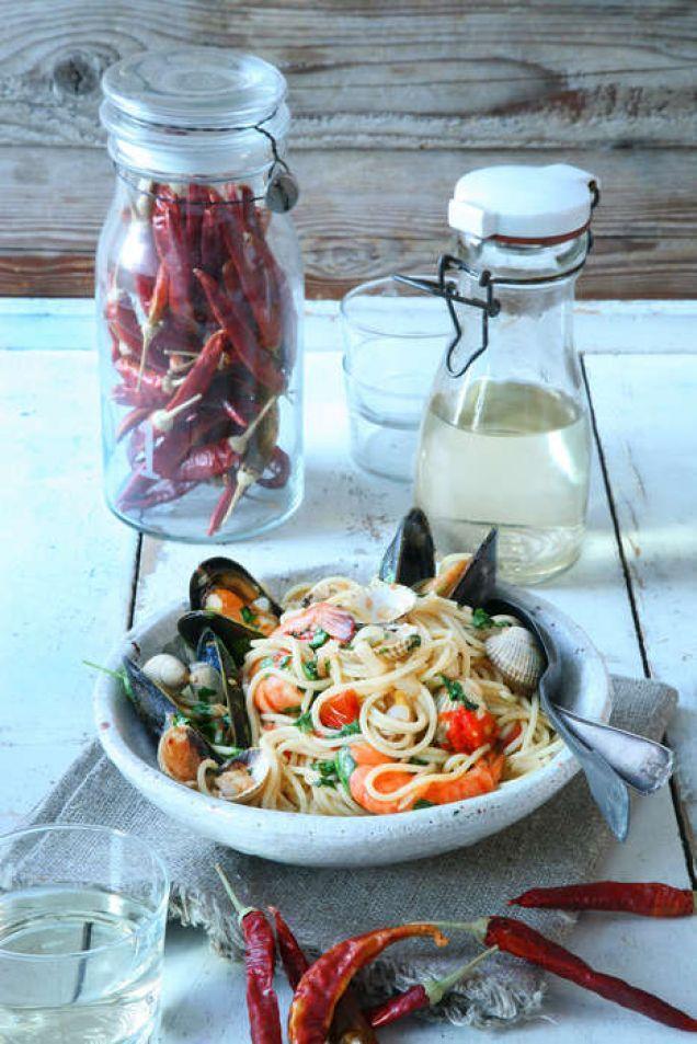 Vinterns fina fiskar och skaldjur är goda att kombinera med pasta.