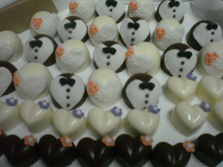 Chocolates de noivinho e noivinha