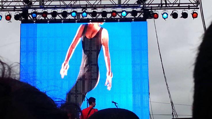 Selena : behind the scenes of a coca cola comervia https://www.youtube.com/watch?v=LHiw0FEeGNs