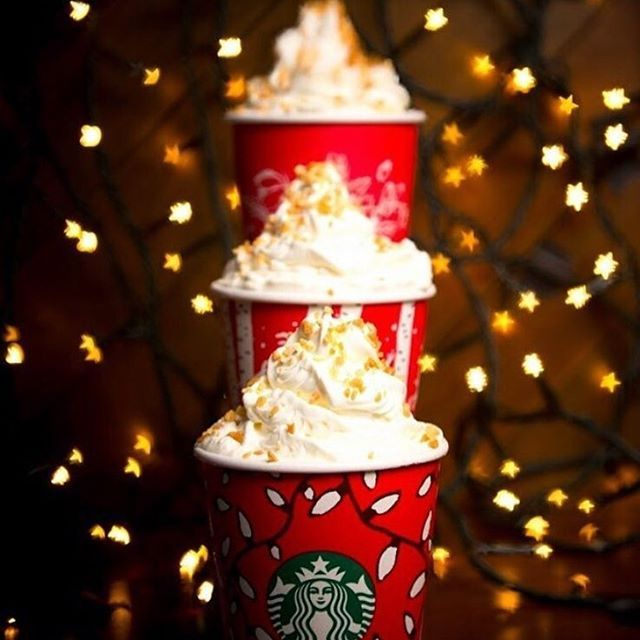 A little sparkle, a little cheer, Toffee Nut Latte brings smiles from ear to ear. #redcups #toffeenutlatte