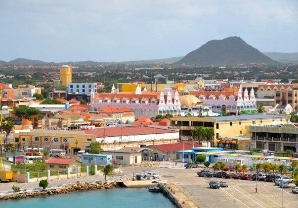 Para Ver o Mundo | Um Passeio Por 35 Lugares Coloridos Em Todo O Mundo. Oranjestad, Aruba.