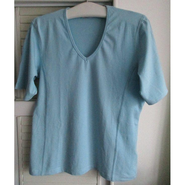 1 ungenutztes Damen-Sportshirt STOOKER, Gr. 46, sehr gute Qualität, 95 % BW, 5 % Elasthan, 30°C-Wäsche.