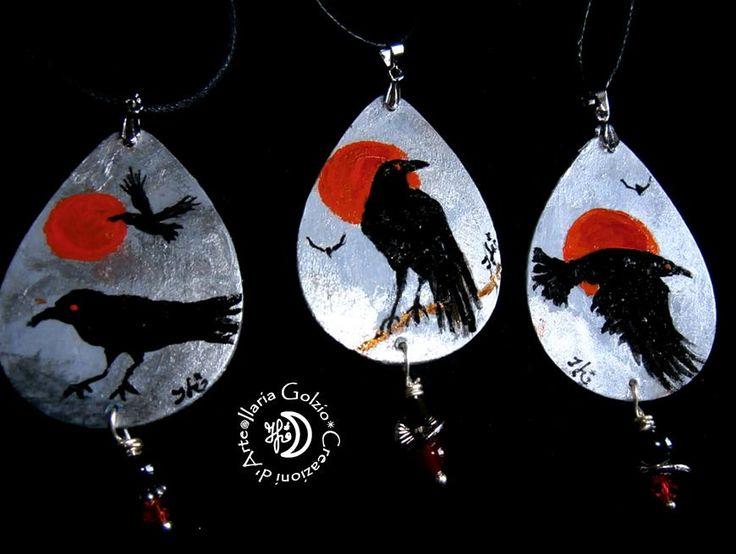 """""""CROWS"""" - Ciondoli in legno dipinto, argento, metallo, perle in ceramica/cristallo/corniola"""