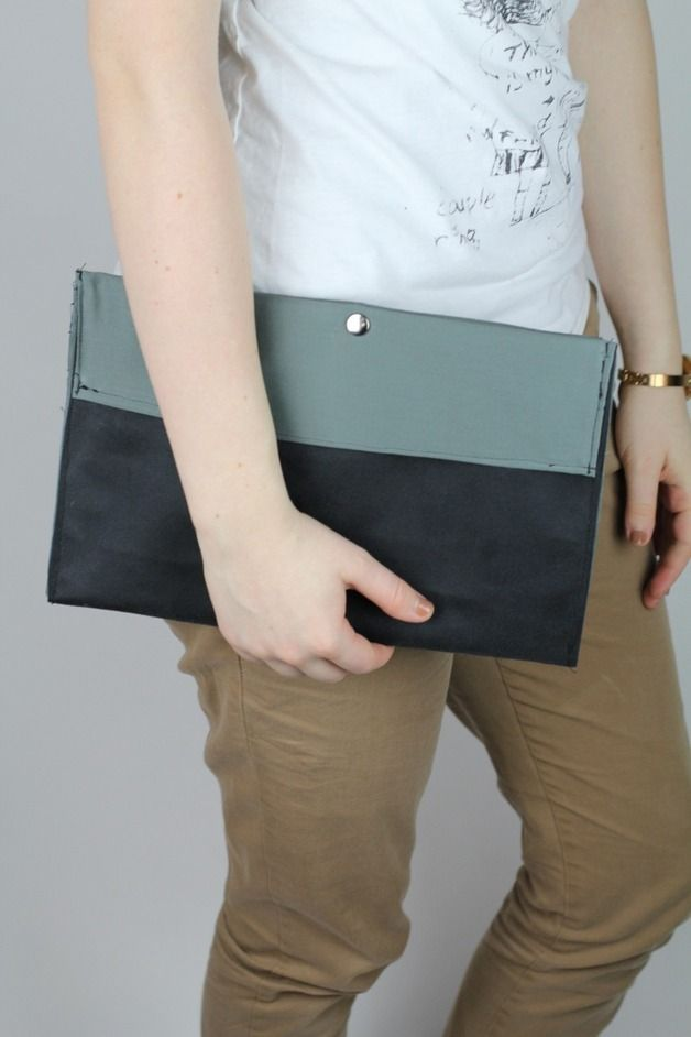 Clutches - Clutch Handtasche schwarz kaki grün Knopf schick - ein Designerstück von Knitters bei DaWanda