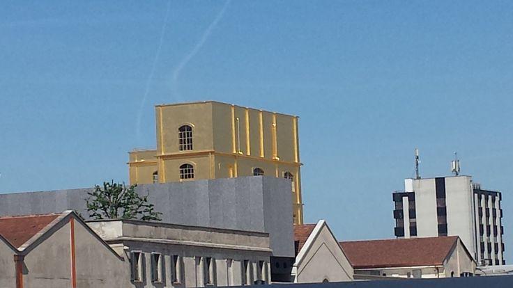La città cambia: Nuovi spazi, molte iniziative, qui La fondazione Prada vista da fuori