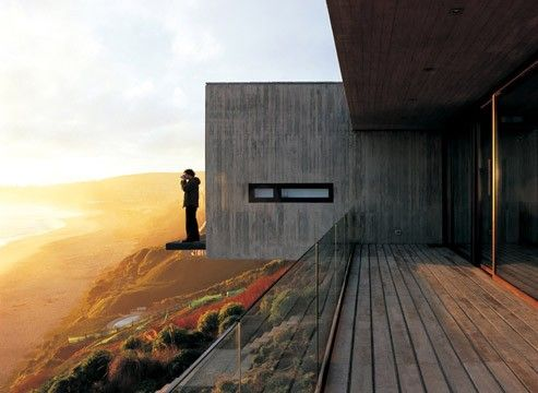 Casa 11 Mujeres (Eleven Women House), a cliff-top house near Santiago in Chile by architect Mathias Klotz, photography by  Cristobal Palma http://www.cristobalpalma.com/index.php?pag=53 http://www.mathiasklotz.com/ #architecture #landscape