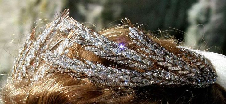 A larger photo of the Hesse-Kassel ears of wheat tiara, showing off some serious diamonds. Photo dates from 2006.