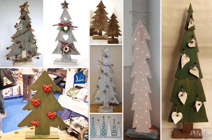 alberi di Natale in legno con piedistallo