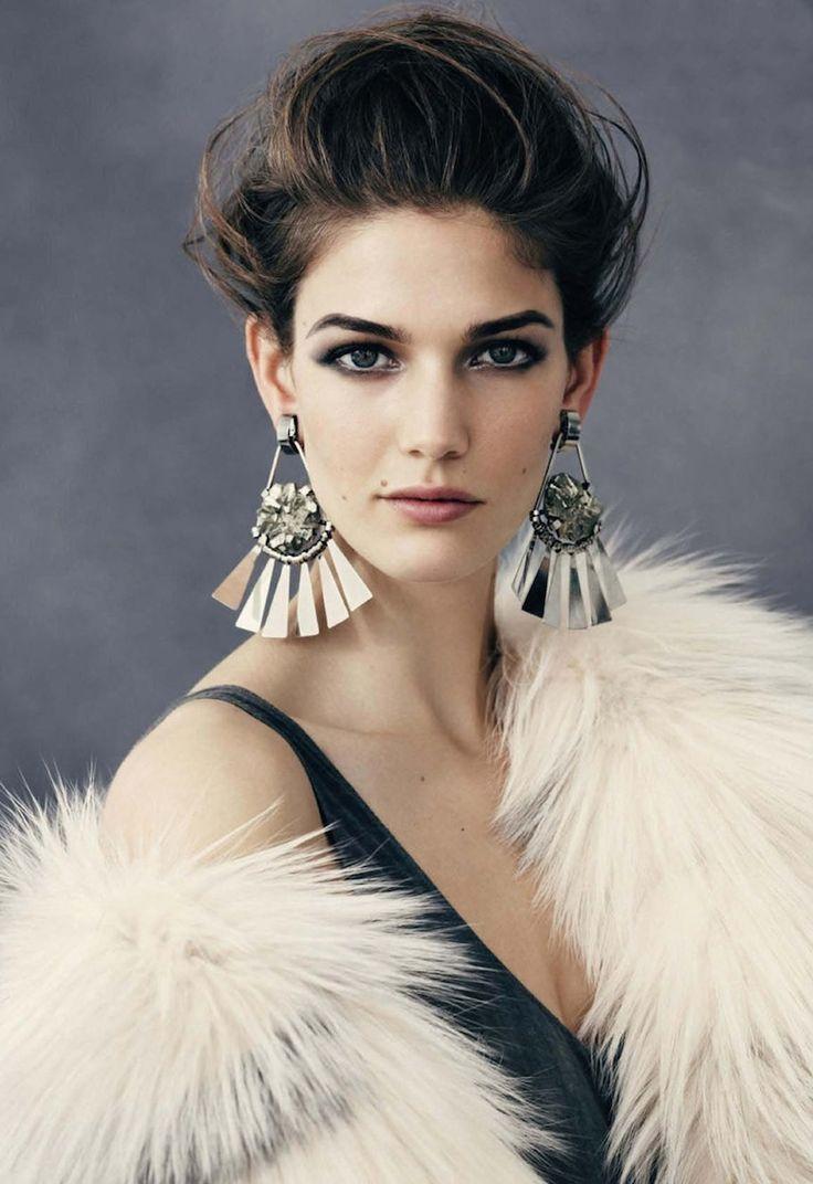 Orecchini grandi: ecco gli orecchini di moda adesso!