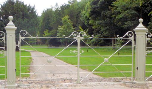 Deer Park double estate gates with cast iron gate posts.