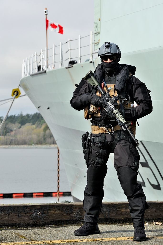 A Maritime Tactical Operator of a Canadian Navy ENBP