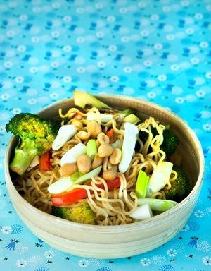 Stekte nudler med grønnsaker og lime | www.greteroede.no | Oppskrifter | www.greteroede.no