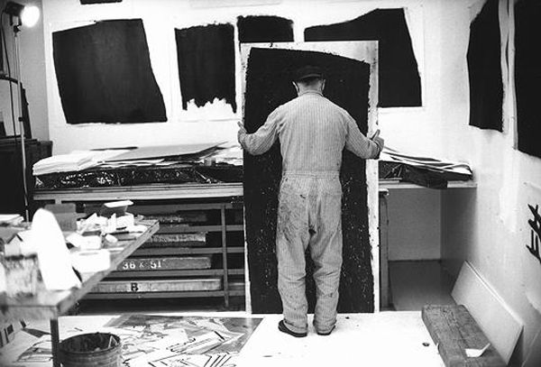 American Minimalist Sculptor Richard Serra at work on his etchings and paintstik compositions in California around November 1990.