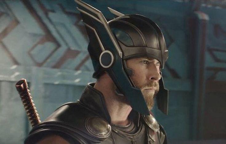 Foi divulgado hoje o primeiro trailer de Thor: Ragnarok, terceiro longa do Deus do Trovão, agora dirigido por Taika Waititie que estreia no Brasil dia 2 de novembro.