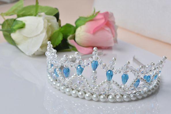 Белый свадебный венец сделан из жемчуга и кристаллов для невесты, в этом уроке мы покажем тебе простой способ сделать так, чтобы жемчужина короны. Надеюсь, вам понравится и наслаждаться процессом.